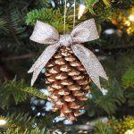 pine cone decoration 1